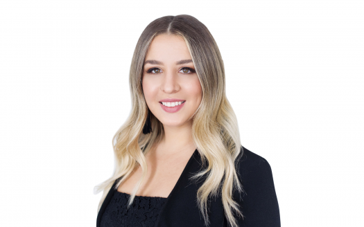 Lara Stasiw West Toronto Etobicoke Islington City Centre Real Estate Agent